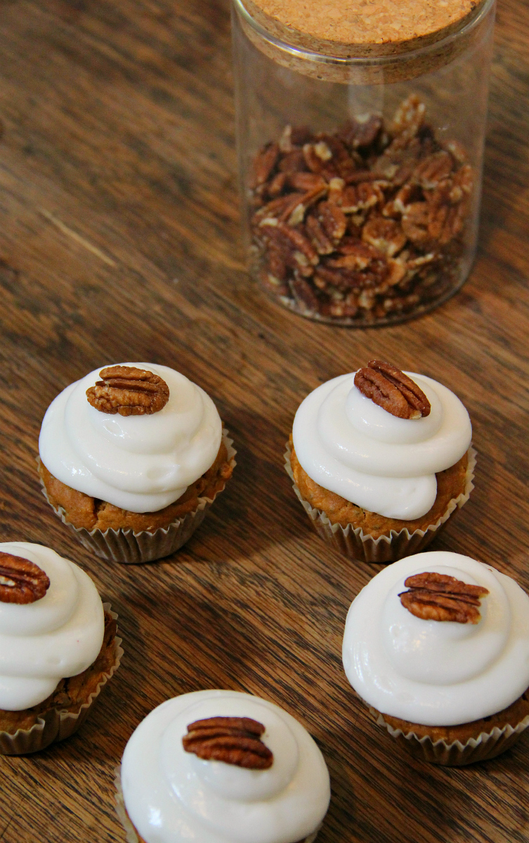 Vegan Carrot Cupcakes & Cream Cheese Frosting - The Vegan Eskimo