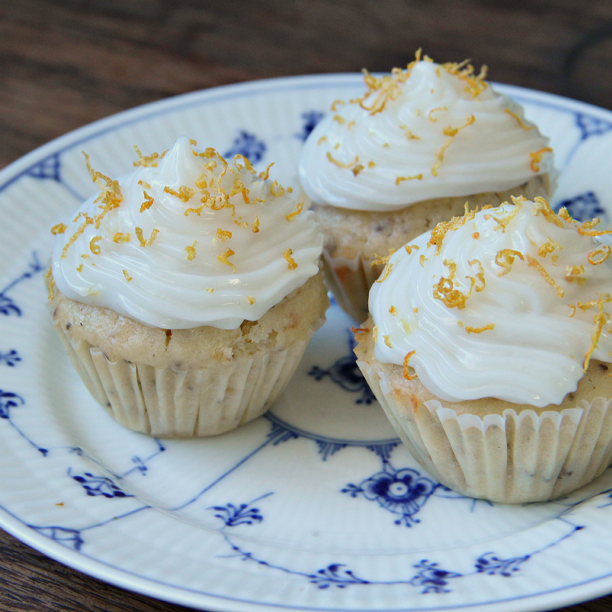 Vegan Lemon Cupcakes & Lemon Cream Cheese Frosting - The Vegan Eskimo
