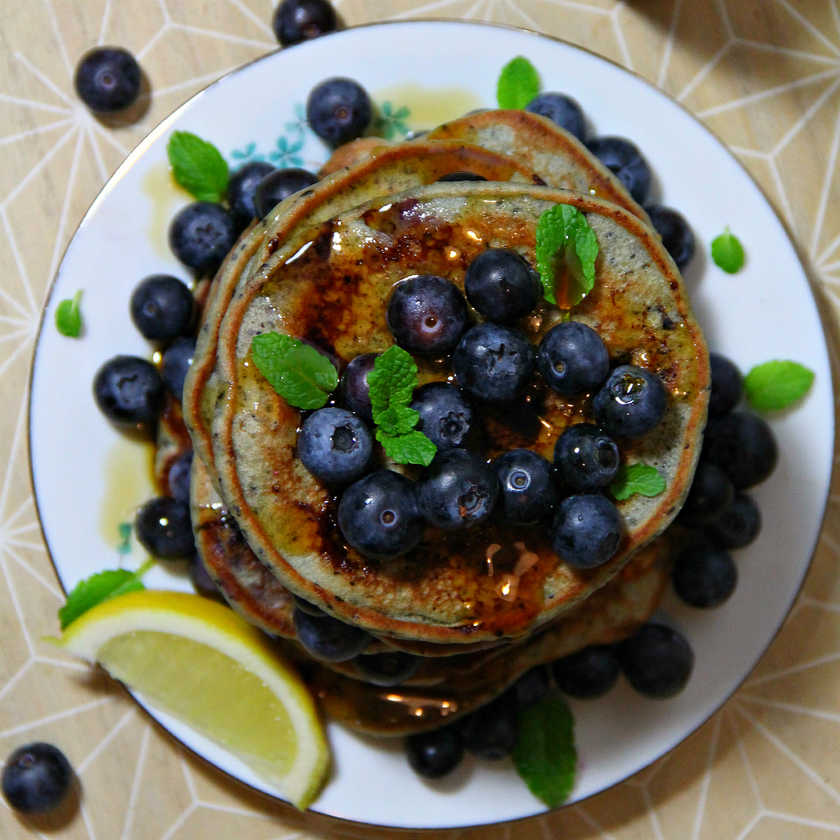 Vegan Blueberry Pancakes - The Vegan Eskimo
