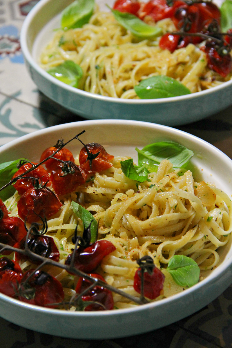 Pasta Aglio e Olio & Roasted Cherry Tomatoes - The Vegan Eskimo