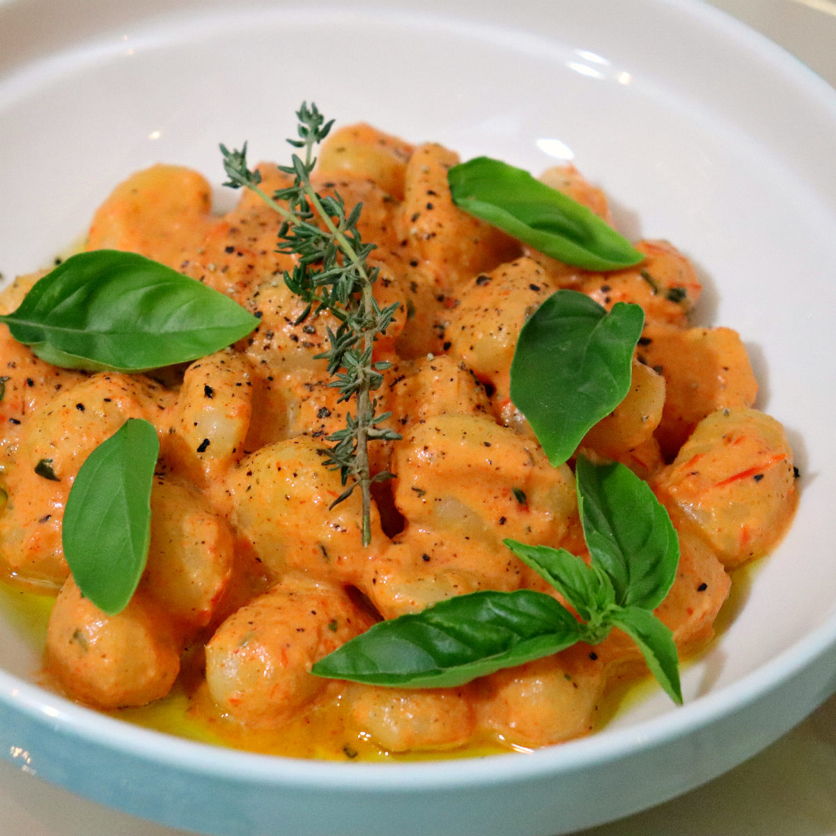 Vegan Roasted Bell Pepper & Gnocchi - The Vegan Eskimo