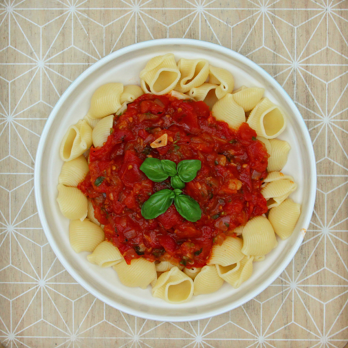 Slow Cooked Pasta Marinara - Tomasta - The Vegan Eskimo