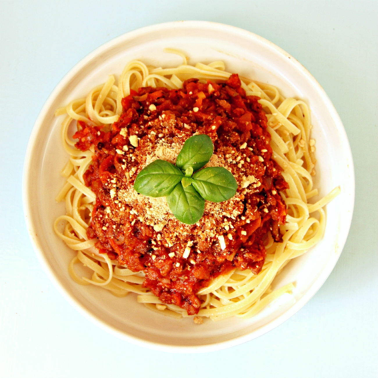 Vegan Slow Cooked Spaghetti Bolognese - The Vegan Eskimo