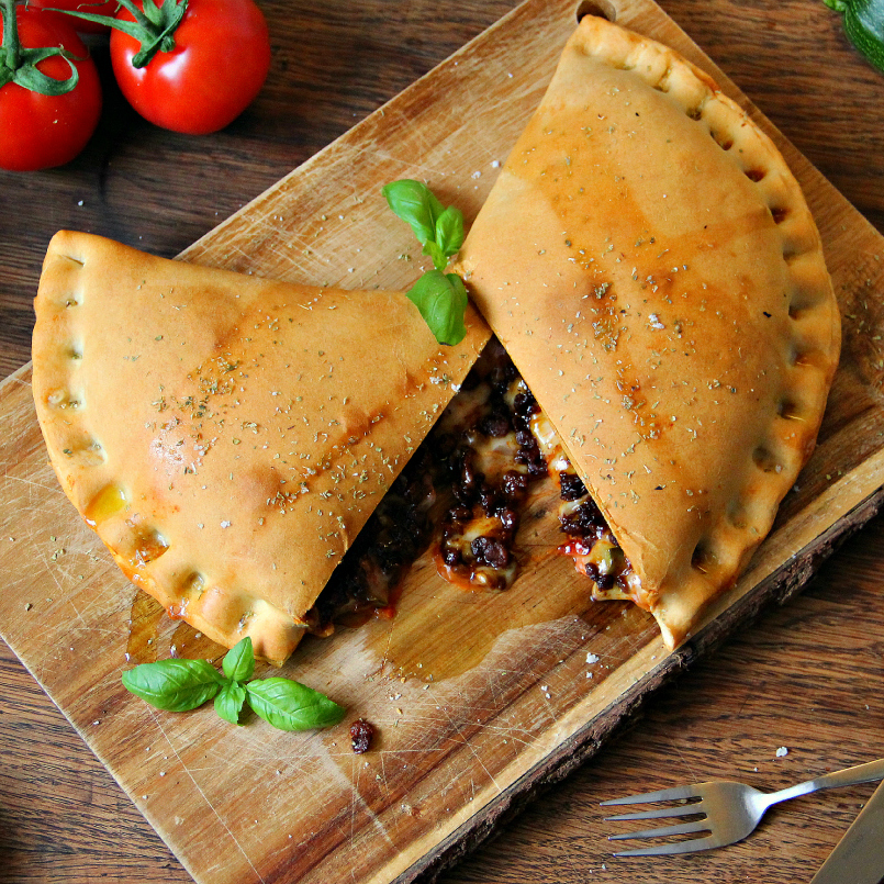 Vegan Calzone Pizza - The Vegan Eskimo