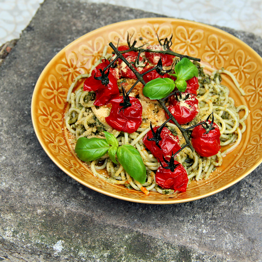Vegan Pasta Pesto Roasted Cherry Tomatoes - The Vegan Eskimo