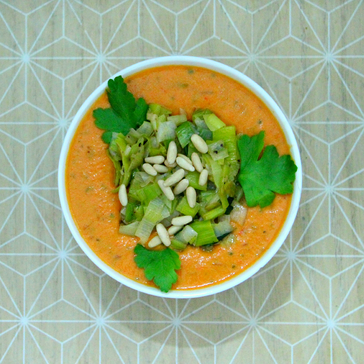 Vegan Roasted Bell Pepper Soup - The Vegan Eskimo