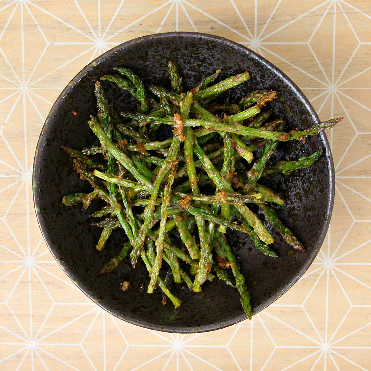 Vegan Cheesy Roasted Mini Asparagus - The Vegan Eskimo