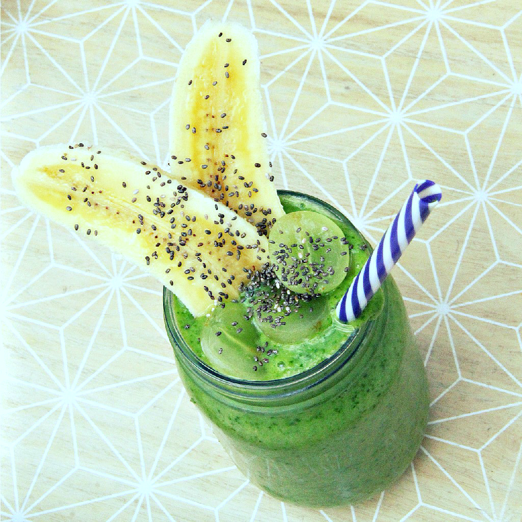 Green Spinach Celery Cucumber Smoothie - The Vegan Eskimo