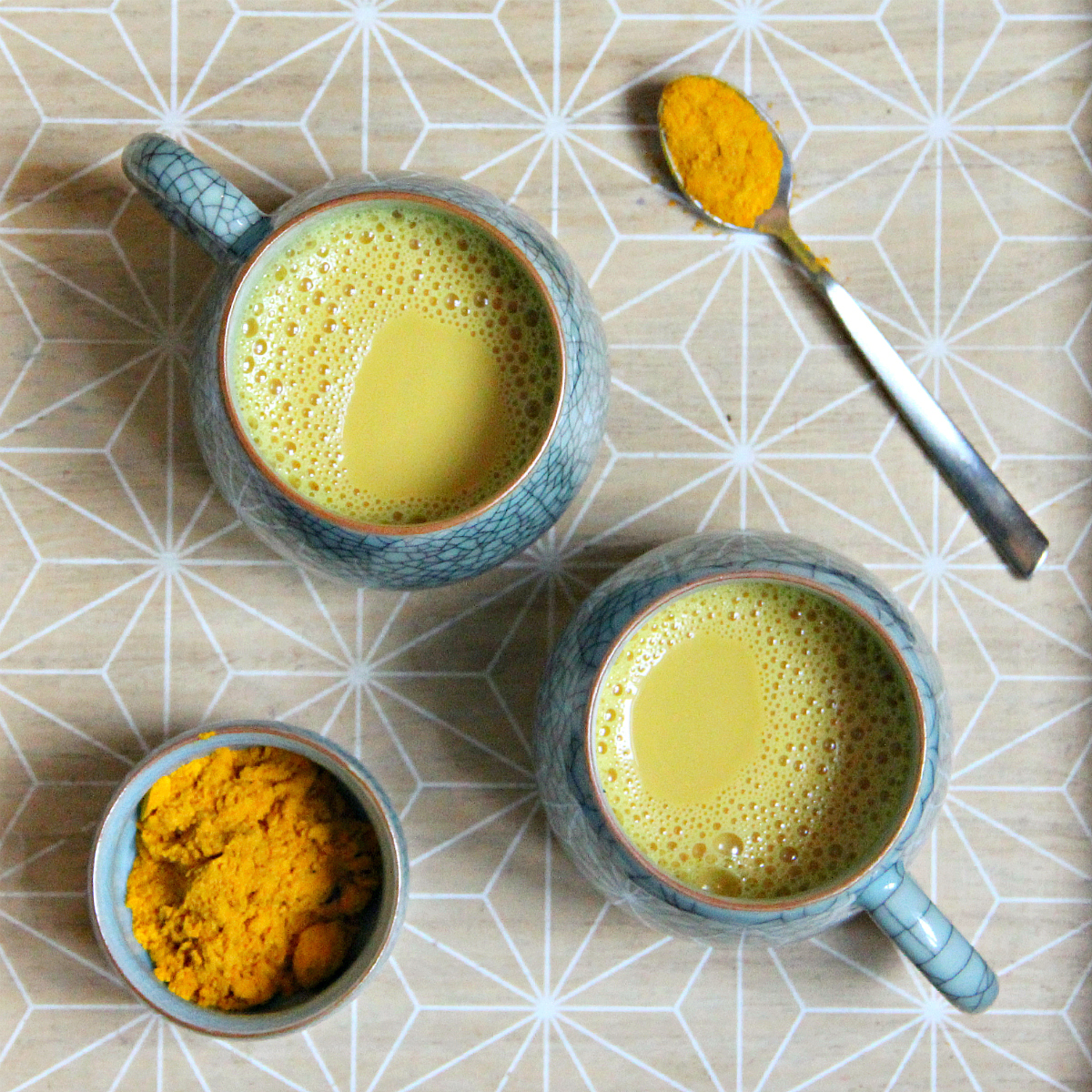 Vegan Haldi Doodh / Golden Turmeric Milk - The Vegan Eskimo